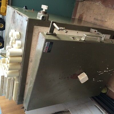 Front loading electric pottery kiln and accesseries