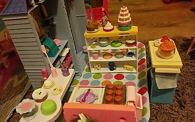 LOVELY BARBIE BAKE SHOP & CAFE WITH FOOD ACCESSORIES 1998/9 with doll's W/box