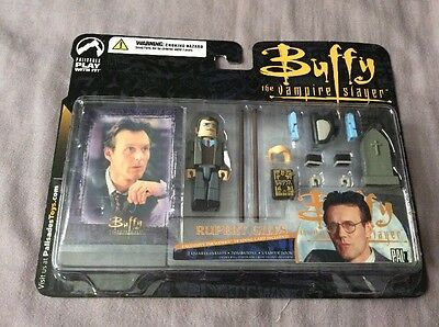 Buffy The Vampire Slayer Giles Palz Figure With Accessories And Card Palisades