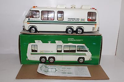 Excellent 1978 1980 Hess Toy Truck Training Van Original Box with Inserts Lights