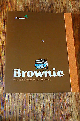 Girl Scouts Handbook Binder The Brownie Girl's Guide to Girl Scouting 2011
