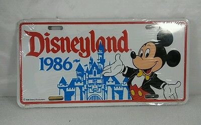 Disneyland Mickey Mouse Castle 1986 License  Plate NEW IN WRAPPING