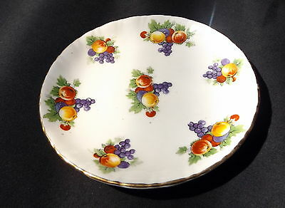 Royal Doulton Pin Dish White With Gold Trim & Fruit Design. Size 10.5 cm. .. ...