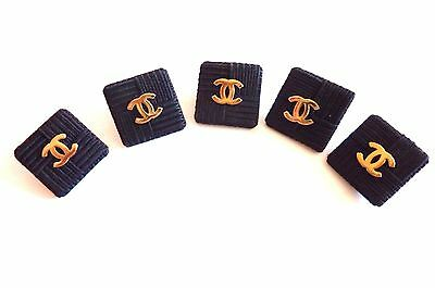 Chanel 5 boutons réf 01