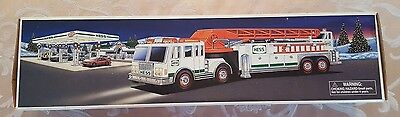 2000 Hess Collectible Fire Truck with lights NEW IN BOX