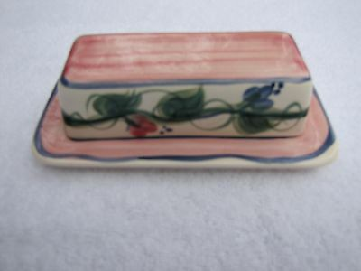 Gail Pittman Pottery Butter Dish Green Vines w/rose and blue flowers on cream...