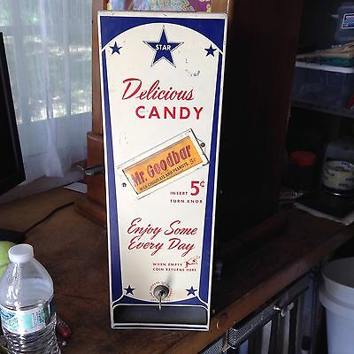 STAR DELICOUS CANDY  5 cent vintage candy machine
