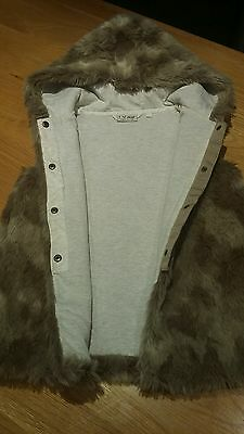 Girls next age 8 fur gilet