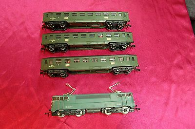 locomotive hornby HO sncf 16009 + 3 wagons