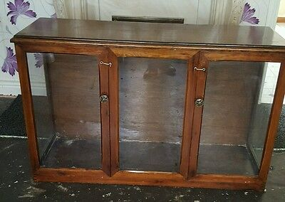 Vintage shop display counter/cabinet