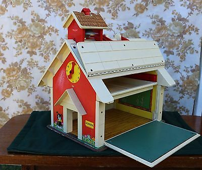 Vintage FISHER PRICE School House play doll house 1971 playset