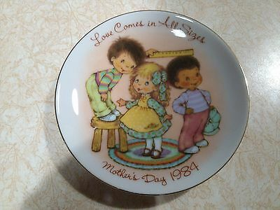 AVON 1984 Love Comes In All Sizes MOTHERS DAY PLATE VINTAGE COLLECTOR