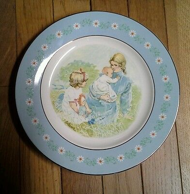 """Avon Collector Plate """"Tenderness"""""""
