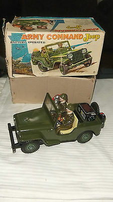 Vintage1960's Rare Tin Army Command Jeep Battery Operated made in japan with box