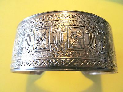 VICTORIAN WIDE SILVER PLATED w/FLORAL ETCHING DESIGNED CUFF BANGLE BRACELET