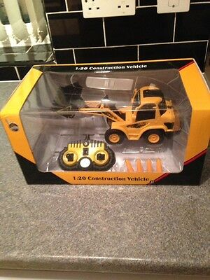 Super Buy !!!!!  Remote Controlled Construction Digger *batteries Included*