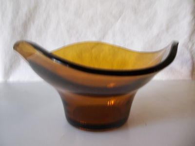 Attractive Amber coloured glass bowl