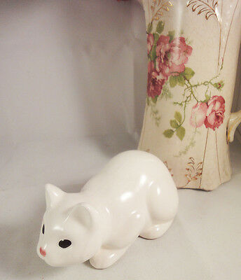 Vintage white china cat figurine - waiting to pounce / leap