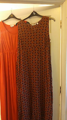 Two NEXT Maternity dresses 18