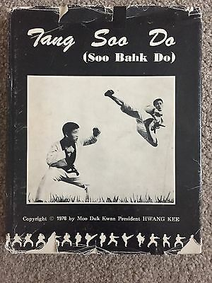 Tang Soo Do (Soo Bahk Do) By Hwang Kee First edition. !!