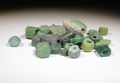 Ancient Roman Green Glass Beads Circa 2Nd Century Ad - No Reserve!