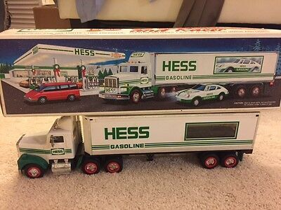 Hess 1992 18 Wheeler Truck & Box