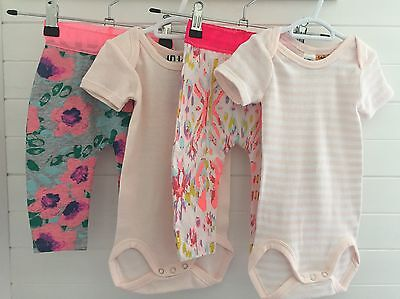 BNWT Bonds 4 x Leggings And Bodysuits Size 0 (6-12 Months)