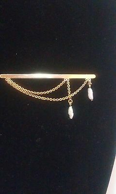 Brooch 10K yellow gold with two fresh water pearls pendants on chain