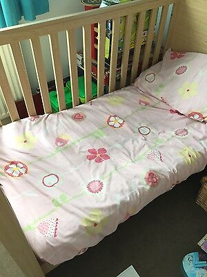 kub cot bed with mattrese