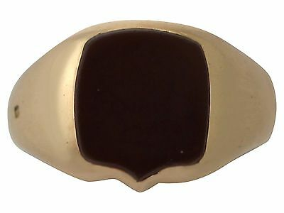 Antique Victorian Agate and 18k Yellow Gold Signet Ring