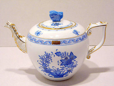 HEREND INDIAN BASKET BLUE TEAPOT,BUTTERFLY LID END,30 fl OZ,BRAND NEW BOXED