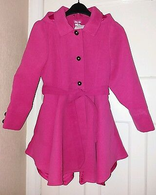 Girls traditional hooded coat. Pink colour. Size 8-9yrs. New with tag.