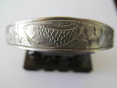 VINTAGE WIDE SILVER METAL PLATED w/FISH ETCHING DESIGNED CUFF BANGLE BRACELET