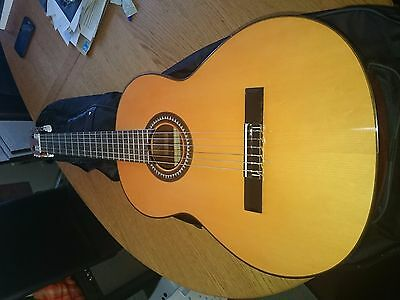 Vicente Sanchis Model 29 Spanish Classical Guitar ( including black carry case )