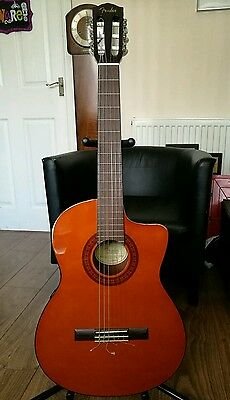 Fender Acoustic Electric Classical Guitar CG - 4 CE Natural. Excellent condition