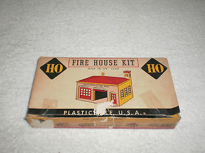 Vintage Plasticville HO Scale Fire House Kit # 79 With Box - Complete - Clean -