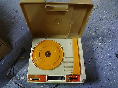 D3c Vintage 1979 Fisher-price Phonograph / Record Player #825