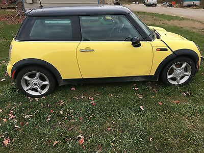 2004 Mini Cooper  2004 mini cooper parts or repair