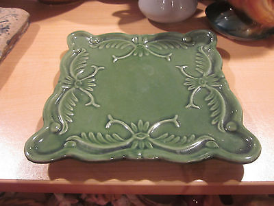 Nice Green Stoneware Trivet with Floral pattern California Pantry