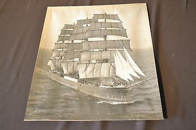 """10"""" x 8"""" OLD PHOTOGRAPH OF PAMIR A FOUR MASKED BARGE - ASSOCIATED PRESS PHOTO"""