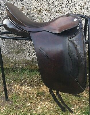 "18"" Brown Cliff Barnsby English Leather Dressage Saddle REDUCED TO SELL"