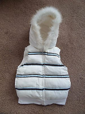 BEAUTIFUL Girl's GYMBOREE Hooded Gilet Age 5-6 Winter White!! WORN ONCE!