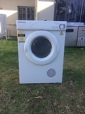 excellent condition Fisher And Paykel Drier 5 Kg