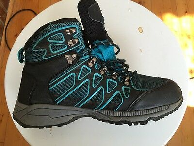 Trail hiking boots ladies size 9