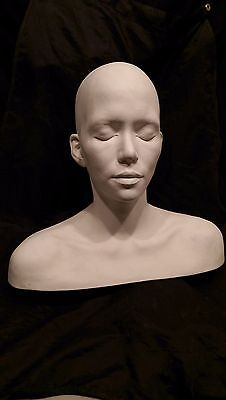 """Halle Berry Life Mask Full Head & Shoulders Life Cast """" Catwoman"""""""" Actress Rare!"""