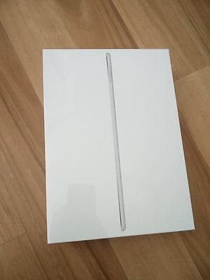 Apple iPad Air 2 128GB, Wi-Fi, 9.7in - Silver Tablet (Latest Model)