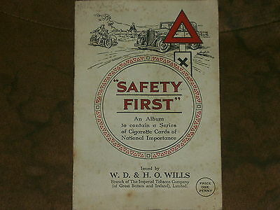 1934 W.D & H.O.Wills's Cigarette Cards, Safety First, Complet Set in Album