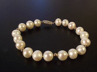 Quality 9Ct Gold And Pearl Bracelet