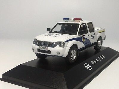 1/43 Nissan Pick-up 2007 police car of china Diecast car model