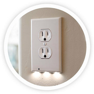 Snappower Guidelight Outlet Coverplate with LED Night Light, Duplex, White.